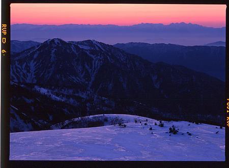 御前峰中腹から奧三方岳と北アルプス