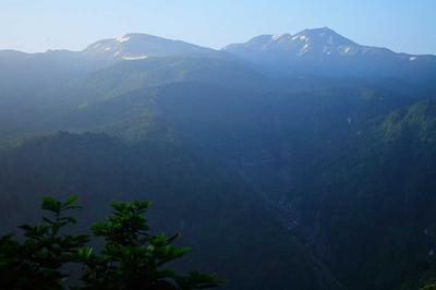 長倉山付近から朝の四ツ塚山