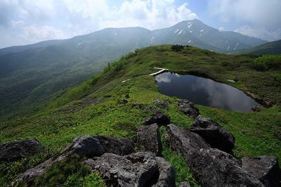 天池と七倉山
