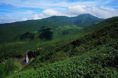 百四丈滝と四ツ塚山