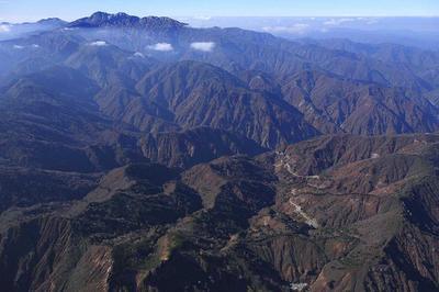三方岩岳北方9000フィートから白山