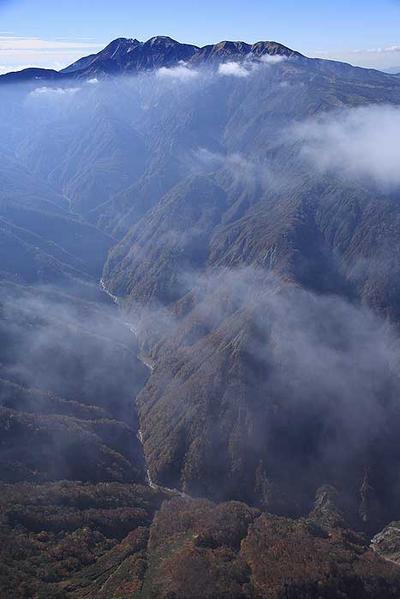 湯谷ノ頭東方8000フィートから白山