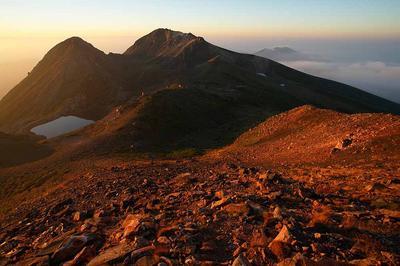 日の出直後の白山