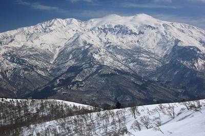 鉢伏山から見た白山