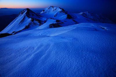 大汝峰から夜明け前の白山