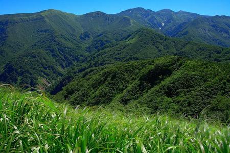 鳴谷山から白山(HDR処理)
