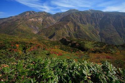 釈迦岳北方から見た白山
