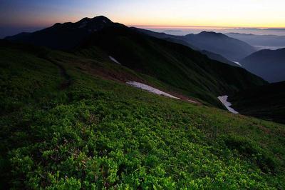 別山山頂付近から夜明け前の白山