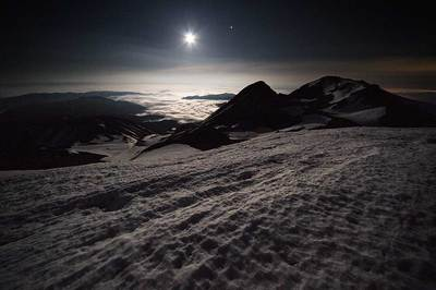 月が高く上がると天の川はほとんど見えなくなります